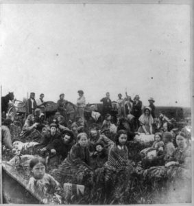 Refugees from fighting with Native Americans in 1862 (Library of Congress)