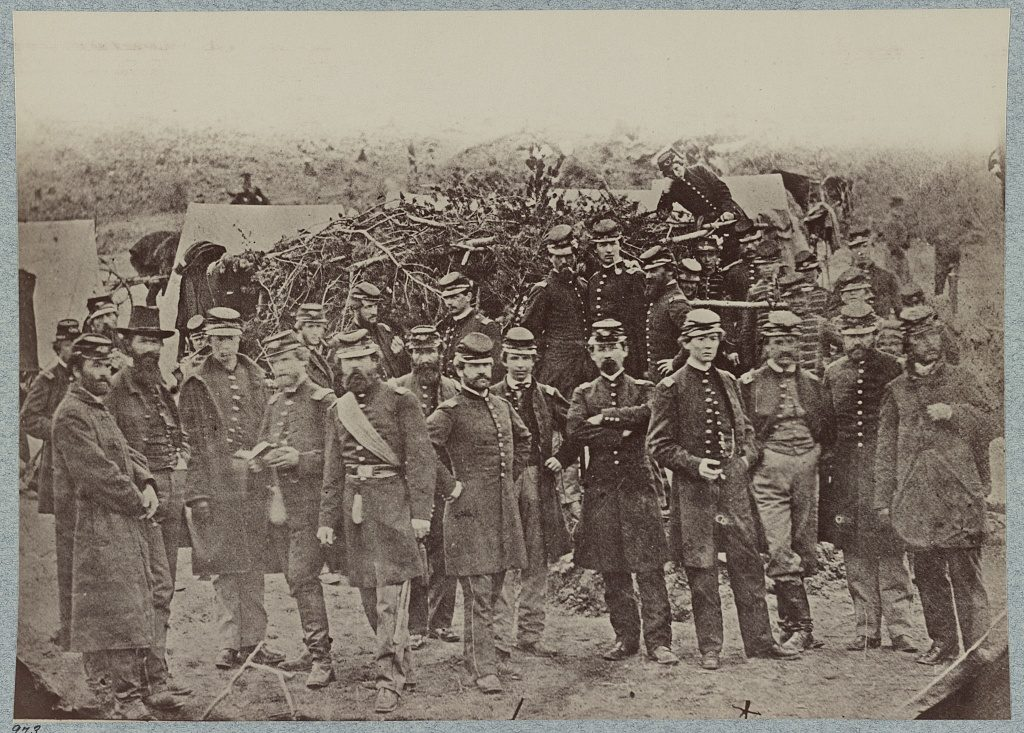 Officers of the 14th United States Infantry photographed in 1862 9Library of Congress)